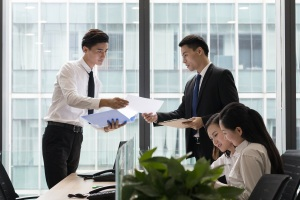 增资扩股协议能与公司签订吗