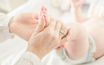 小孩上户口需不需要夫妻双方结婚证