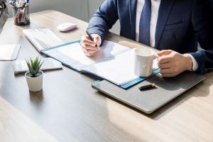 夫妻离婚如何向债权人提起诉讼