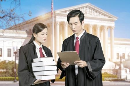 损害赔偿金需要先打给法院吗